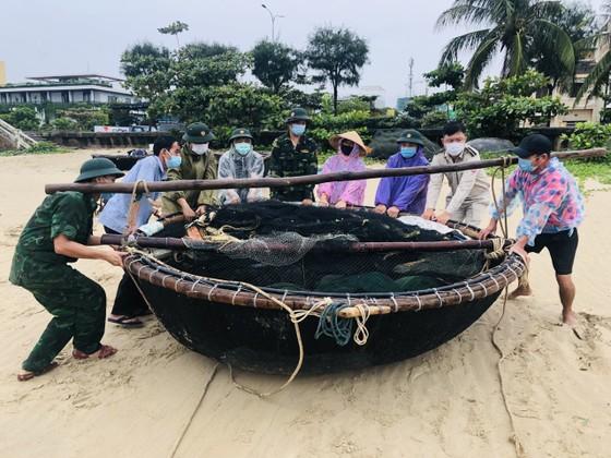 Đà Nẵng: Yêu cầu bảo đảm giãn cách khi sơ tán dân tránh bão số 5 ảnh 5
