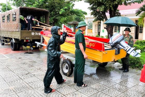 Các tỉnh miền Trung khẩn trương ứng phó bão số 5 đổ bộ  ảnh 16