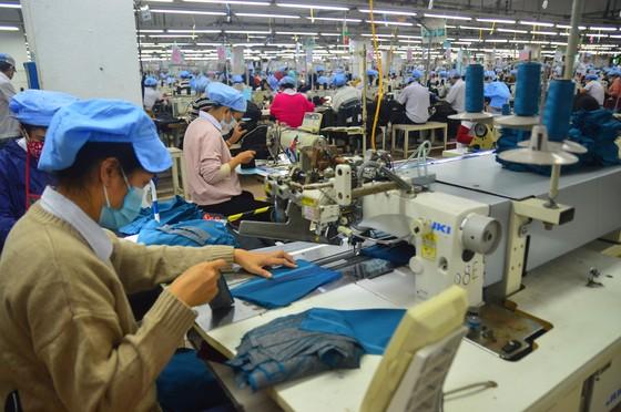 Lao động trong trạng thái bình thường mới - Bài 3: An sinh xã hội - 'giữ chân' lao động trong mùa dịch  ảnh 1