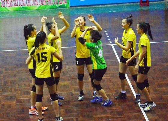 Chung kết bóng chuyền các CLB trẻ toàn quốc 2017: VTV Bình Điền Long An vô địch ngoạn mục! ảnh 1