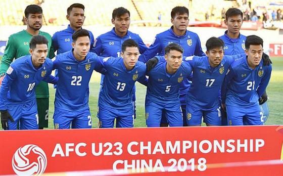 HLV trưởng U23 Thái Lan từ chức sau cú sốc châu lục ảnh 1