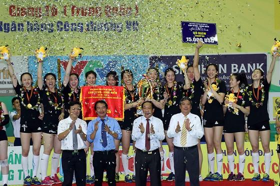 Chung kết Cúp bóng chuyền nữ VTV9 Bình Điền 2018: Ngược dòng ngoạn mục, Giang Tô lên ngôi! ảnh 2