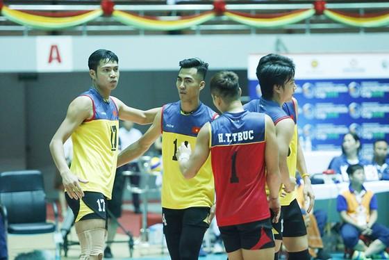 Cúp bóng chuyền nam quốc tế Liên Việt 2018: Việt Nam hài lòng với tấm HCĐ ảnh 2