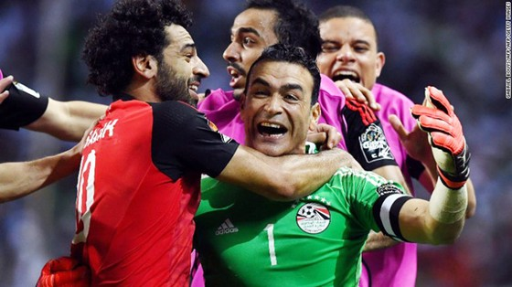 Thủ thành Essam dự World Cup ở tuổi 45: Hãy chiến đấu đến cùng vì ước mơ! ảnh 1