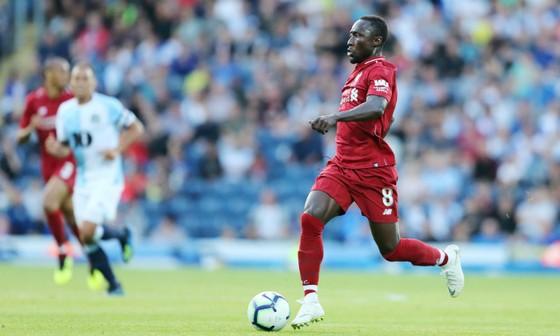 Naby Keita chọn Liverpool từ tấm bé ảnh 1