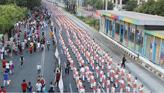 Tổng thống Indonesia và người dân nhảy điệu poco-poco quảng bá Asiad 18 ảnh 2