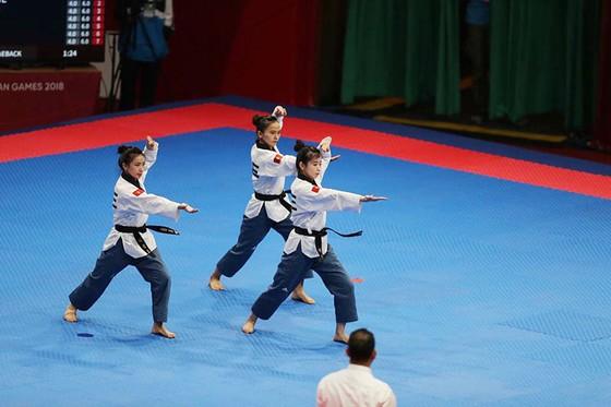Châu Tuyết Vân và chân dài bóng chuyền ra quânChâu Tuyết Vân thắng trận đầu, chân dài bóng chuyền ra quân ảnh 5