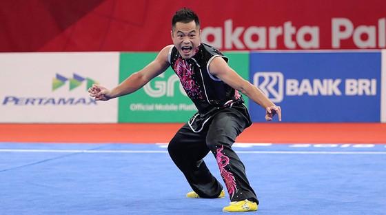 Phạm Quốc Khánh giành hạng nhì nội dung Nam quyền. Ảnh: DŨNG PHƯƠNG