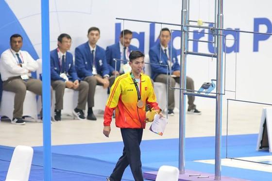 Bơi lội: Đoạt HCB 1.500m tự do, Huy Hoàng tiếp tục xô ngã kỷ lục Đông Nam Á ảnh 1