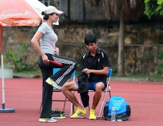 Điền kinh Việt Nam: Bay qua mức xà 2m23, Vũ Đức Anh khơi dậy tương lai ảnh 1