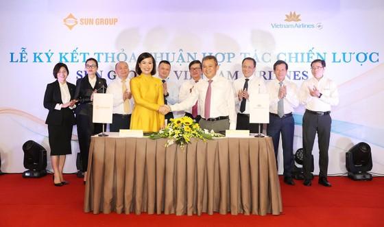 Vietnam Airlines và Sun Group ký kết thỏa thuận hợp tác chiến lược ảnh 1