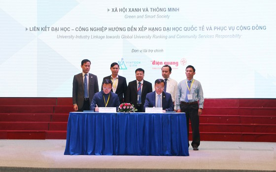 """TPHCM tăng cường hợp tác """"ba nhà"""" để phát triển đô thị thông minh ảnh 1"""