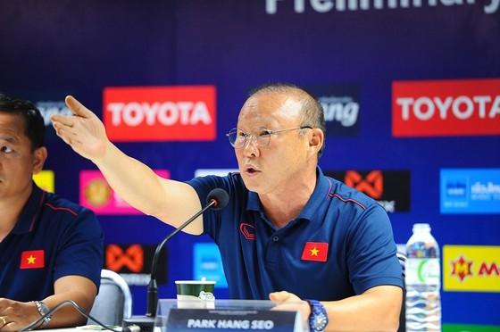 HLV Park Hang-seo sẽ có thêm ít nhất 2 năm nữa làm việc với bóng đá Việt Nam. Ảnh: DŨNG PHƯƠNG