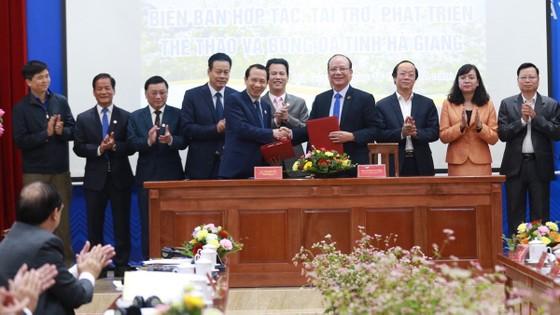 Tập đoàn T&T Group trao tặng tỉnh Hà Giang 1.000 căn nhà tình nghĩa ảnh 2