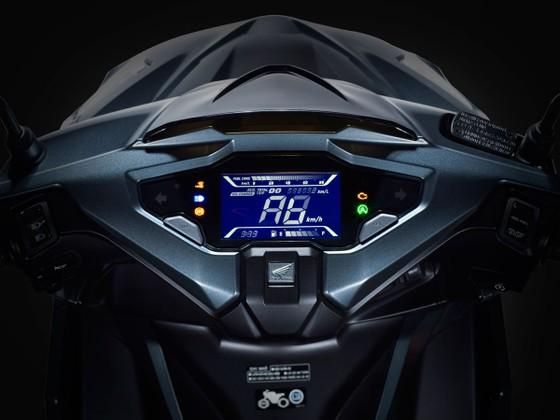 Honda Việt Nam giới thiệu phiên bản hoàn toàn mới Honda Air Blade 150cc/125cc: Uy lực bứt phá ảnh 4