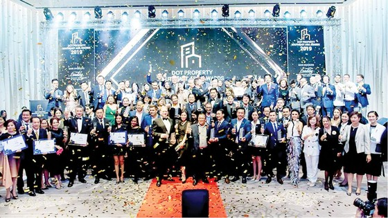 Pax Sky đoạt giải Nhà cung cấp dịch vụ văn phòng tốt nhất Đông Nam Á 2019 ảnh 2