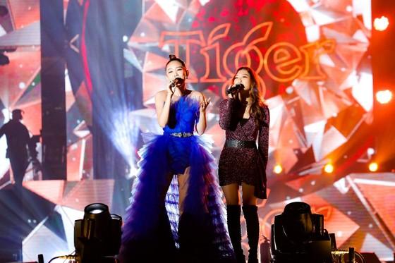 """Mỹ Tâm, Đen Vâu, Hoàng Thùy Linh """"đốt cháy"""" sân khấu Tiger Remix với toàn bản hit Remix  ảnh 10"""