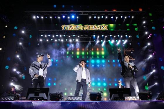 """Mỹ Tâm, Đen Vâu, Hoàng Thùy Linh """"đốt cháy"""" sân khấu Tiger Remix với toàn bản hit Remix  ảnh 4"""