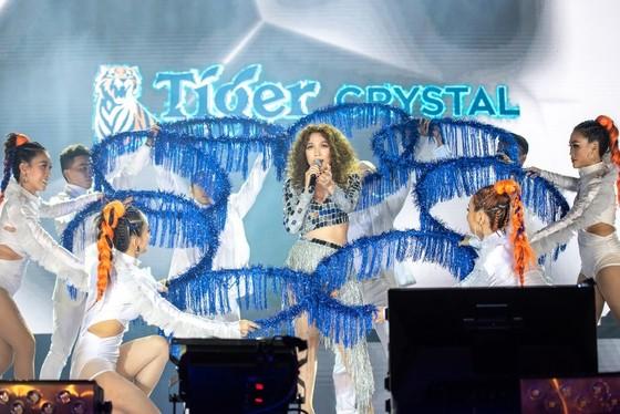 """Mỹ Tâm, Đen Vâu, Hoàng Thùy Linh """"đốt cháy"""" sân khấu Tiger Remix với toàn bản hit Remix  ảnh 6"""
