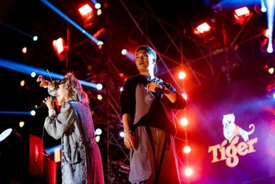 """Mỹ Tâm, Đen Vâu, Hoàng Thùy Linh """"đốt cháy"""" sân khấu Tiger Remix với toàn bản hit Remix  ảnh 8"""
