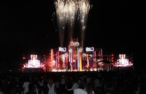 Dàn sao Việt 'đốt cháy' đại nhạc hội siêu khủng khởi động F1 ảnh 1