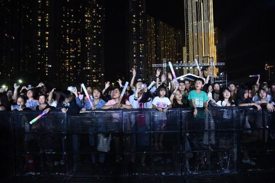 Dàn sao Việt 'đốt cháy' đại nhạc hội siêu khủng khởi động F1 ảnh 4