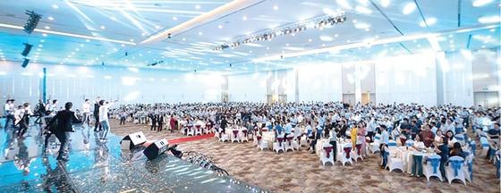 Xuân Sum họp 2020 - Hòa Bình khen thưởng trên  50 tỷ đồng cho tập thể, cá nhân và thầu phụ xuất sắc ảnh 1
