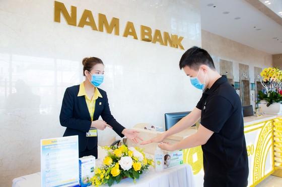 Nhân viên ngân hàng Nam A phòng tránh virus Corona ảnh 1
