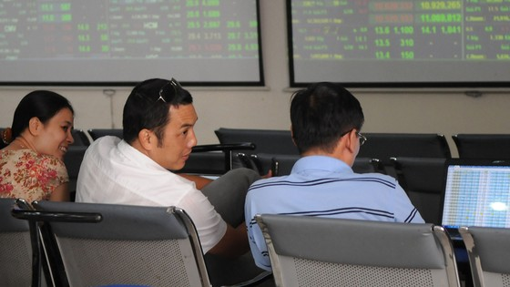 Thị trường chứng khoán: Điềm tĩnh tìm cơ hội đầu tư ảnh 1