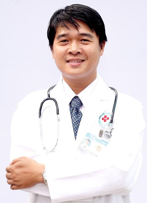 Thầy thuốc trẻ hết lòng với nghề ảnh 1