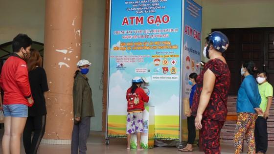 Thêm một máy 'ATM gạo' được lắp đặt tại quận Tân Bình ảnh 2