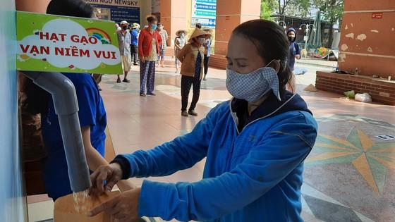 Thêm một máy 'ATM gạo' được lắp đặt tại quận Tân Bình ảnh 3