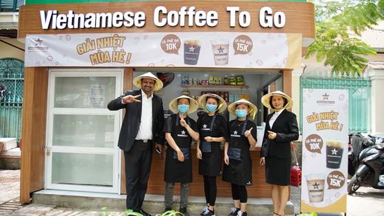 TPHCM có mô hình cà phê mang đi kết hợp phục vụ nhà vệ sinh công cộng ảnh 1