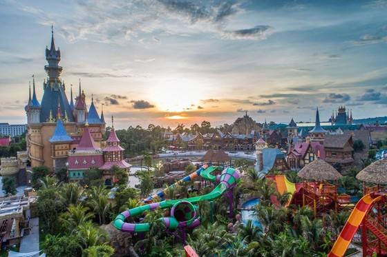 VinWonders của Phú Quốc sẽ thành công như Universal Studios của Singapore? ảnh 1