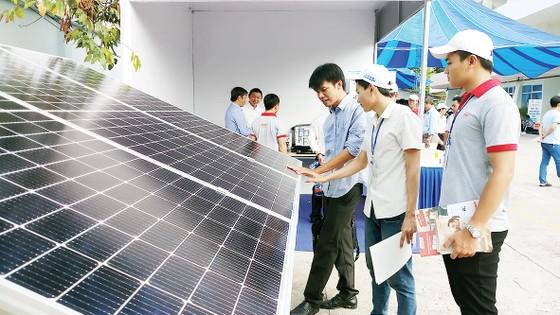 Kêu gọi tăng cường hợp tác doanh nghiệp phát triển điện mặt trời áp mái ảnh 3