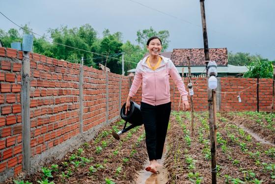 Cùng phụ nữ nông thôn Bình Định giải bài toán thoát nghèo từ chăn nuôi ảnh 1