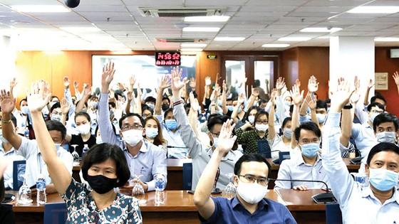 Ông Lê Viết Hải - Chủ tịch Hiệp hội Xây dựng và Vật liệu Xây dựng TPHCM (SACA), Chủ tịch HĐQT Tập đoàn Xây dựng Hòa Bình được Hiệp hội doanh nghiệp TPHCM giới thiệu ứng cử  đại biểu quốc hội khóa XV ảnh 1