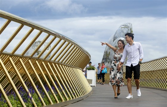 Cầu Vàng tại Bà Nà Hills được báo Anh bình chọn là kỳ quan mới của thế giới ảnh 4