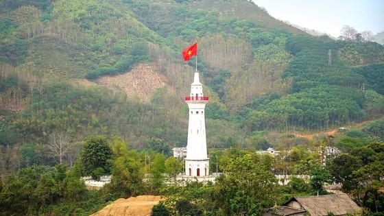 Nơi con sông Hồng chảy vào đất Việt ảnh 2