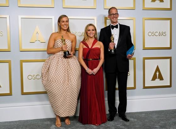Phim 'Nomadland' thắng giải phim hay nhất tại Oscar lần thứ 93 ảnh 8