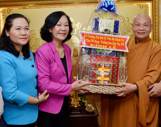 Đồng chí Trương Thị Mai, Trưởng Ban Dân vận Trung ương thăm các tôn giáo ảnh 1