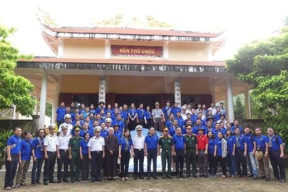 Đoàn đại biểu TPHCM thăm cán bộ, chiến sĩ các lực lượng trên đảo Thổ Chu ảnh 2