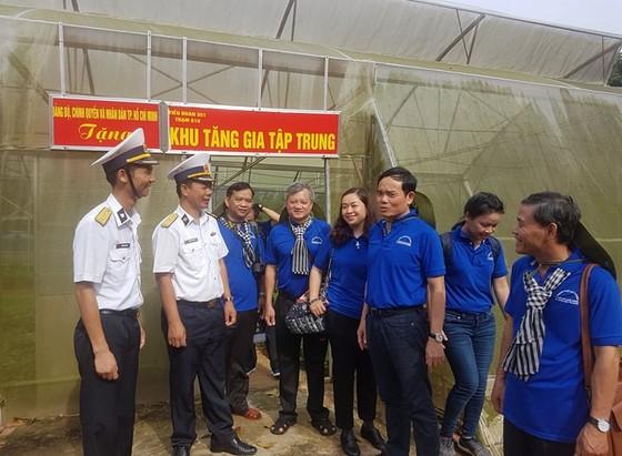 Đoàn đại biểu TPHCM thăm cán bộ, chiến sĩ các lực lượng trên đảo Thổ Chu ảnh 3