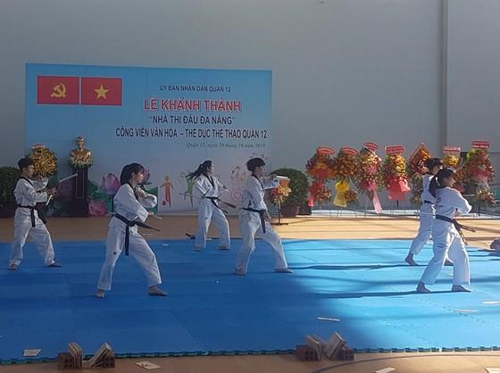 Biểu diễn môn võ thuật trong lễ khánh thành, đưa vào sử dụng Nhà thi đấu đa năng
