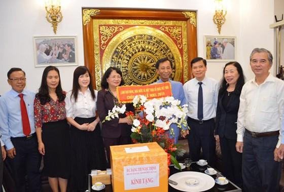 Phó Chủ tịch nước Đặng Thị Ngọc Thịnh chúc mừng Giáng sinh Hiệp sĩ Đại Thánh giá Lê Đức Thịnh ảnh 1