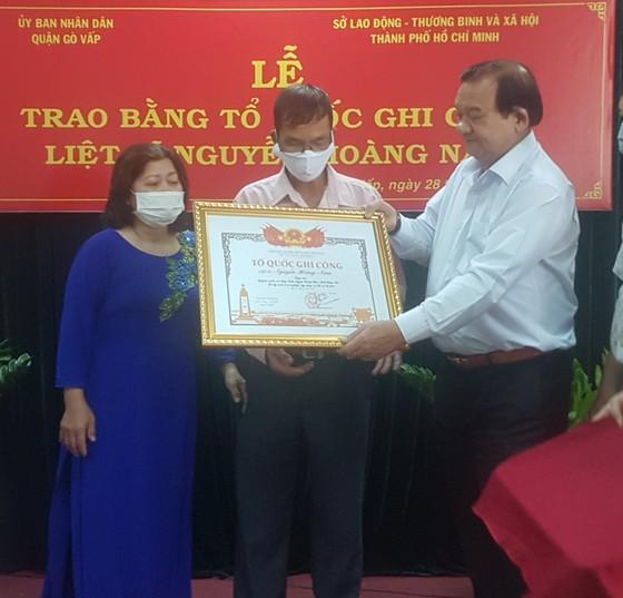 Cấp bằng Tổ quốc ghi công cho liệt sĩ 'hiệp sĩ' Nguyễn Hoàng Nam ảnh 1