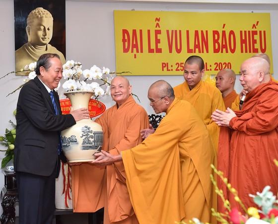 Phó Thủ tướng Thường trực Chính phủ Trương Hòa Bình thăm, chúc mừng Vu lan báo hiếu ảnh 2