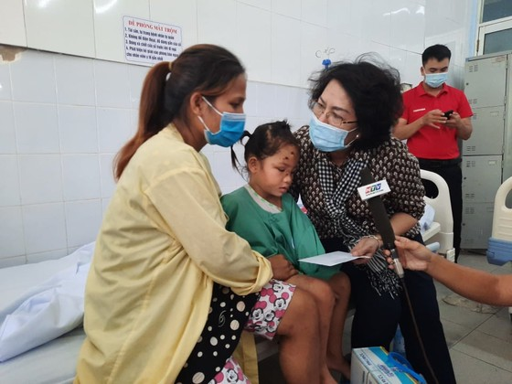 TPHCM hỗ trợ tỉnh Quảng Nam hơn 2 tỷ đồng khắc phục hậu quả bão lũ ảnh 1