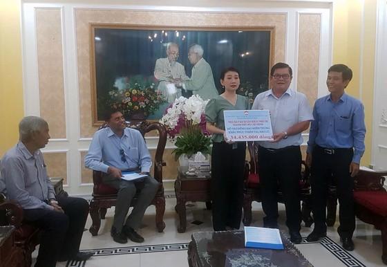 TPHCM hỗ trợ hơn 20 tỷ đồng các tỉnh miền Trung khắc phục bão lũ     ảnh 1