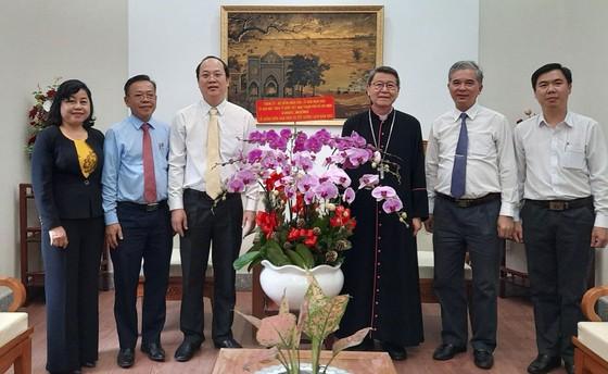 Đồng bào Công giáo luôn đoàn kết vượt qua mọi khó khăn ảnh 1